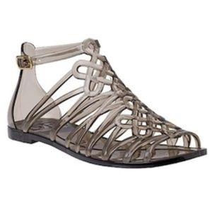 Diane von Furstenberg Jaya love knot sandal size 6